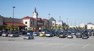 parking-lot-684160_1280